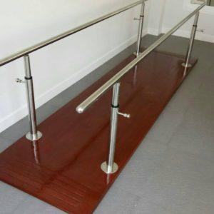 ราวคู่ขนานฝึกเดิน / Parallel bars with board