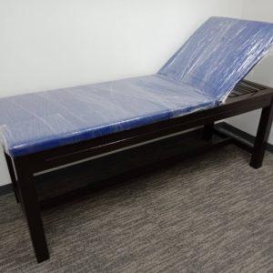 เตียงตรวจโรคไม้ / Disease examination bed wood