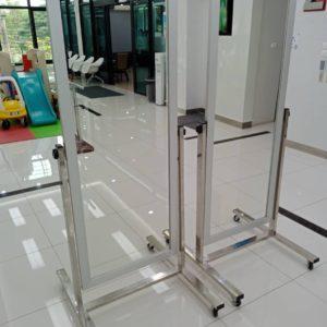 กระจกกายภาพบำบัด กรอบอลูมิเนียม / Physical therapy mirror, aluminum frame